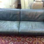Fotele skórzane przed i po renowacji
